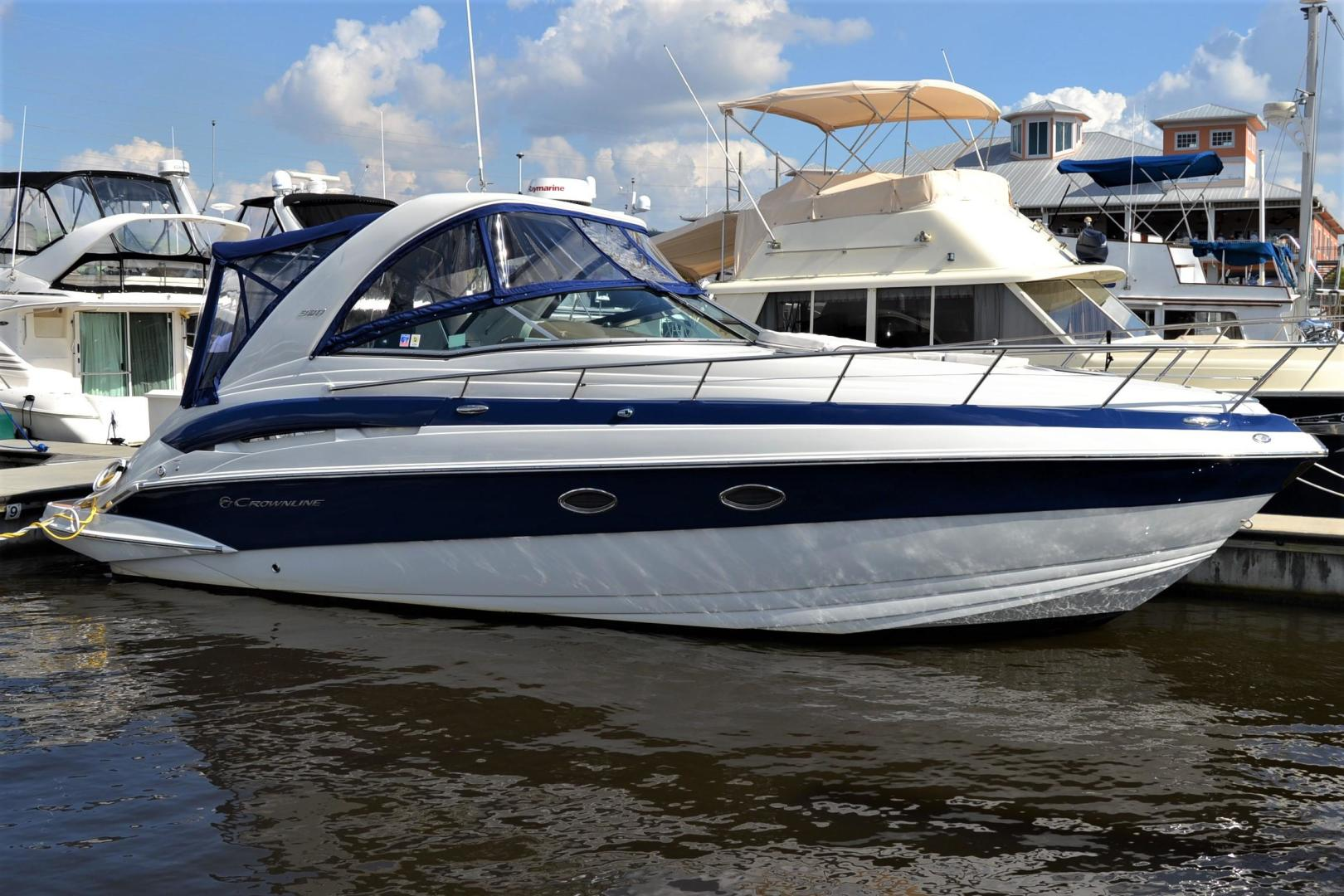 2017 33' Crownline 330 SY