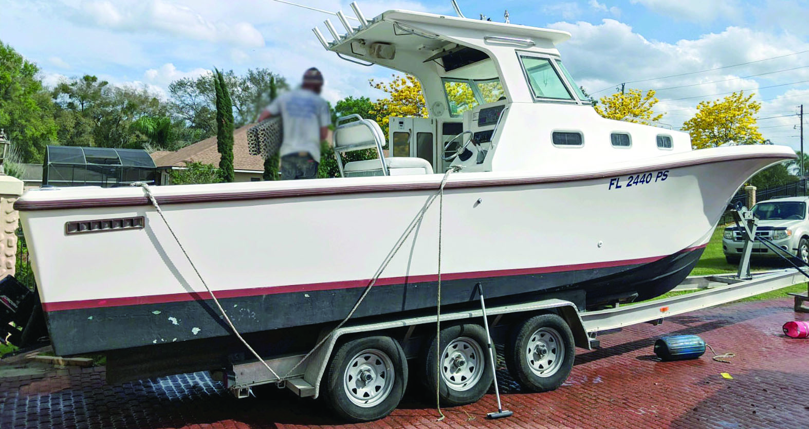 2001 29' MASTER MARINE TRUE WORLD MARINE